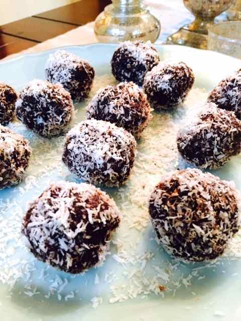 Scrumptious Chocolate Date Bites